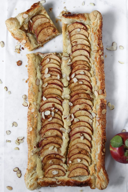 simple almond puff pastry apple tart